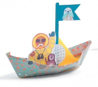 Barcos de papiroflexia flotantes