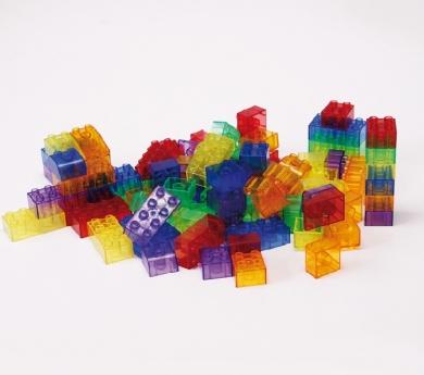 Conjunt de 90 blocs translúcids de construcció tipus lego.