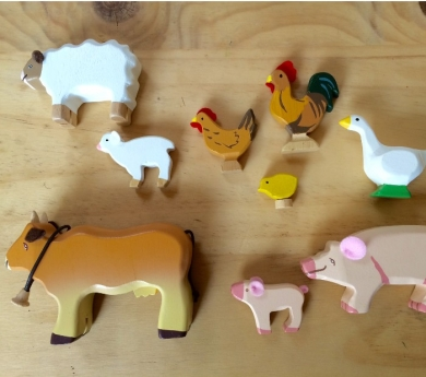 Conjunt d'animals de granja de fusta