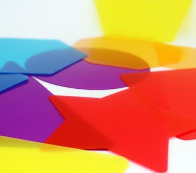 12 figures geomètriques translúcides