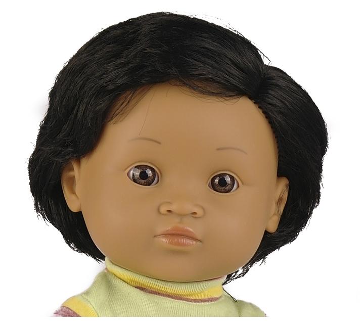 Muñeco con rasgos latinoamericanos