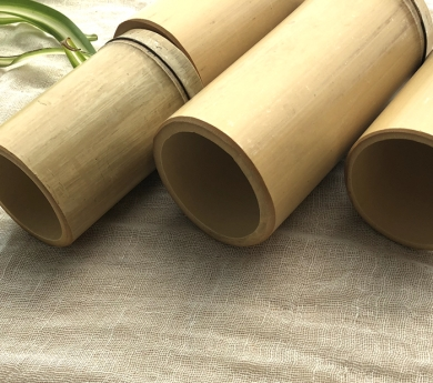 4 cañas de bambú cerradas