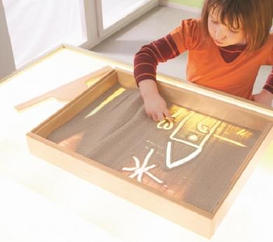 Bandeja sensorial con marco de madera y base transparente