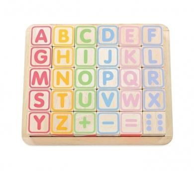 Cubos con letras, puzle, números y figuras.