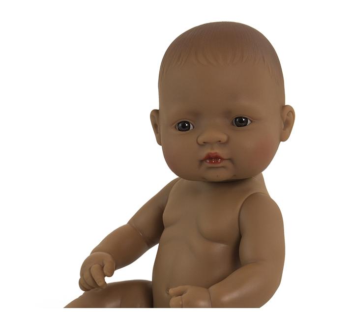 Muñeco bebé sexuado rasgos latinoamericanos 32cm.