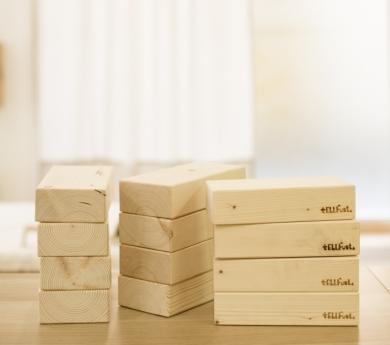 Maons de construcció de fusta