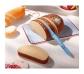 Hogaza de pan en rebanadas con cuchillo