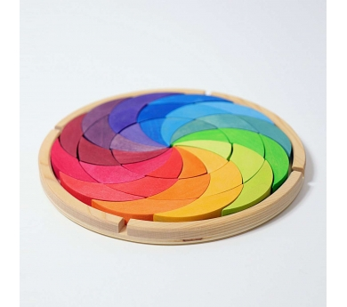 Pequeño mandala de madera espiral