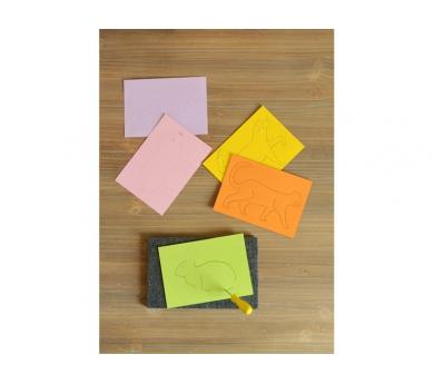 Manualidad de tarjetas con punzón