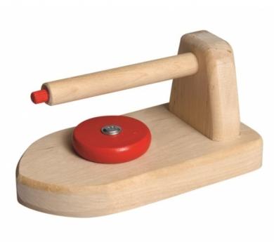 Plancha de madera con enchufe
