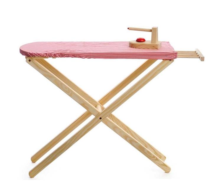 Tabla de planchar con plancha de juguete
