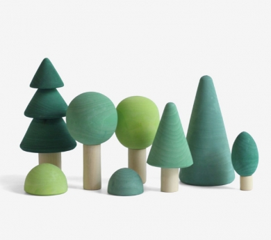 Conjunto de árboles de madera