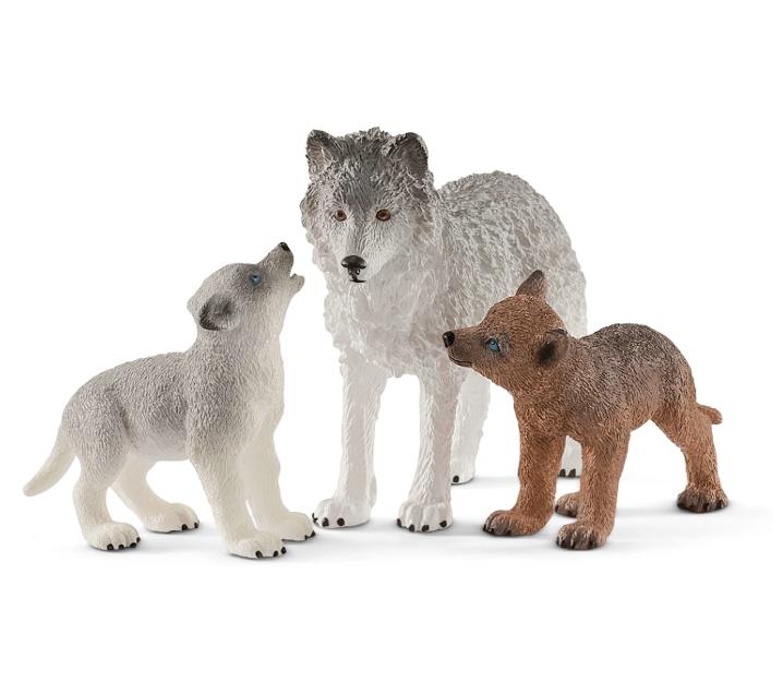 Loba con 2 cachorros