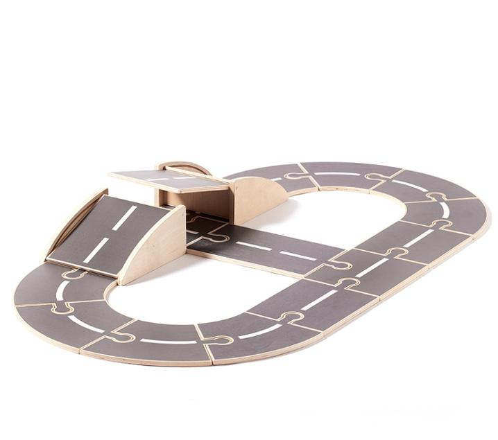 Circuito de carreteras con puente y túnel AIDEN