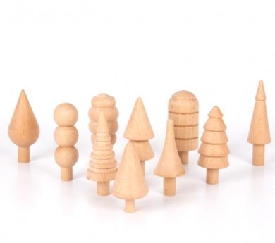 Conjunto de árboles de madera natural
