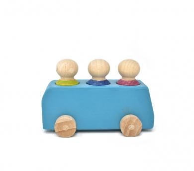 Bus azul con 3 pasajeros