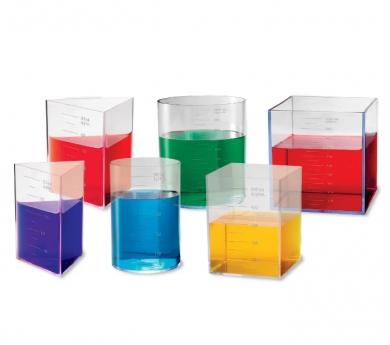 Cosos geomètrics transparents i graduats per la comprensió de volum, masa i forma