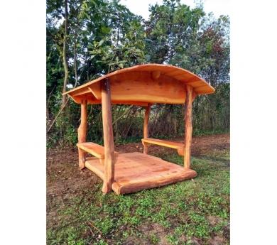 Cabaña infantil abierta de madera