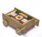 Carro de madera con bloques de construcción