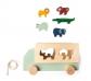 Camión de madera con animales encajables