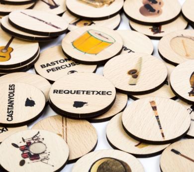 84 Fichas de madera de instrumentos musicales
