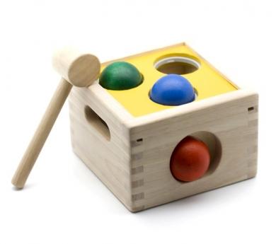 Joc de fusta per colpejar