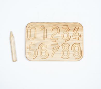 Tablero con flechas de trazado de números