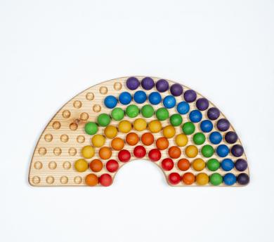 Tablero perforado arco iris Montessori