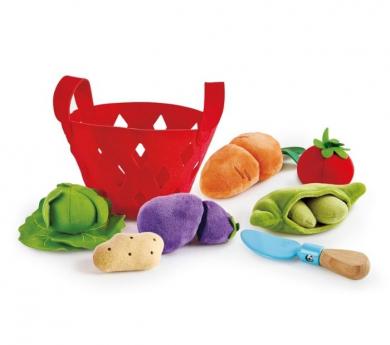 Cesta con verduras de fieltro