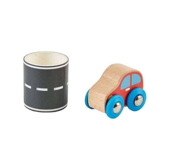 Coche con cinta adhesiva de carretera