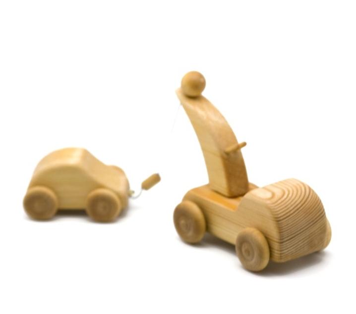 Grua de fusta amb cotxe