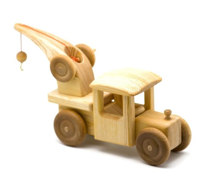 Grúa de madera grande