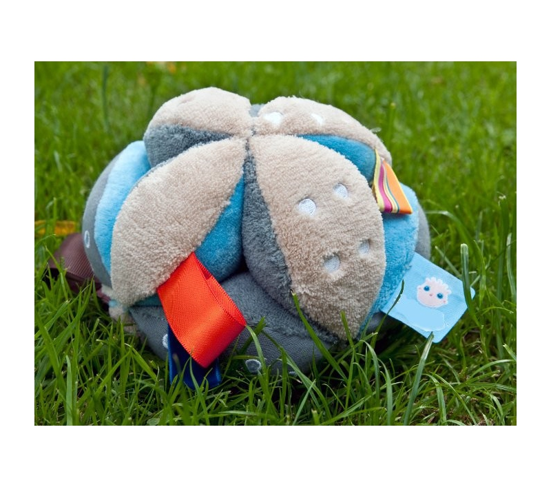 Bola de juguete con etiquetas para beb s for Bola juguete