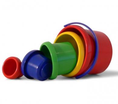 Cubs apilables de plàstic