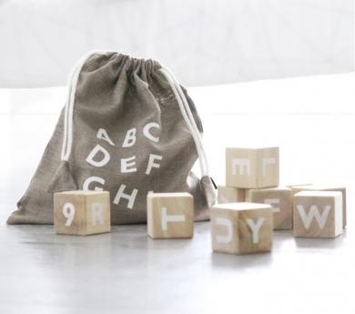 Cubos alfabeto white
