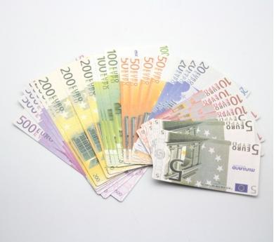 Dinero de plástico